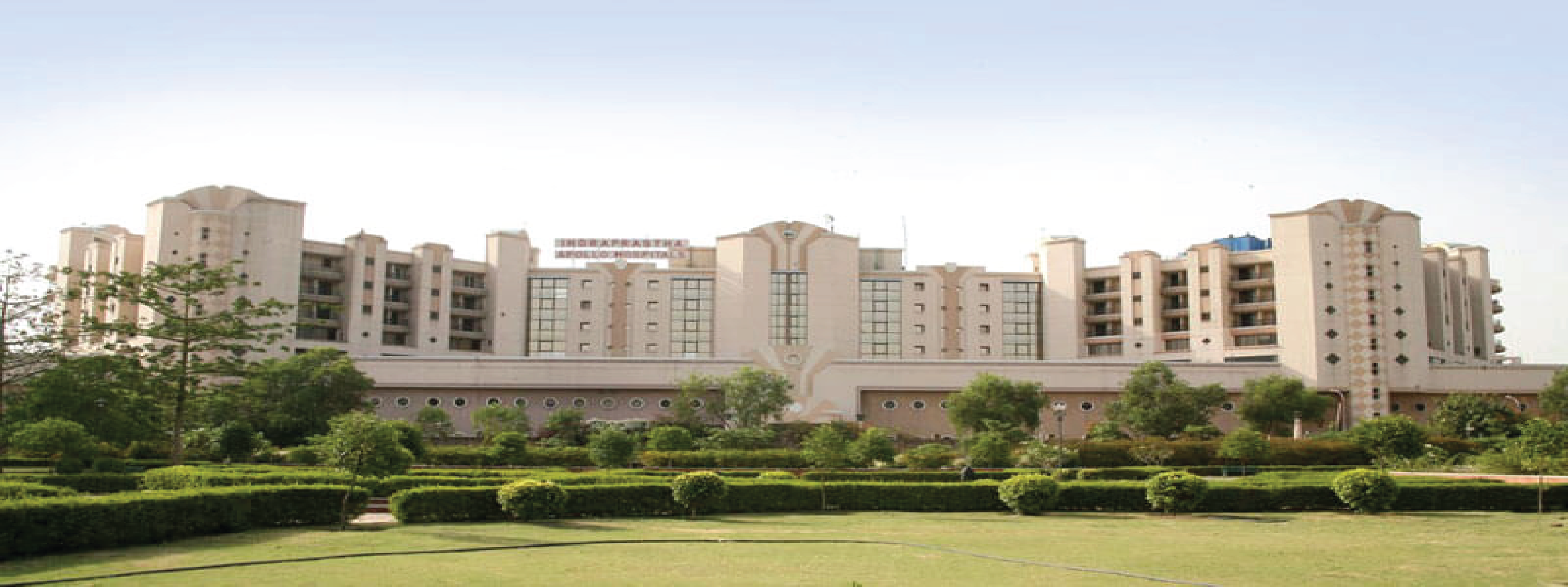 Apollo Indraprasad Hospital Exterior